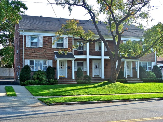 SINY North Shore Buzz – Westerleigh Multi-Family For Sale